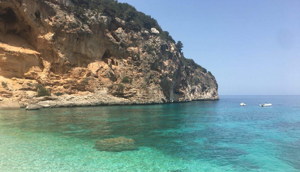 Strand Cala Goloritzé Sardinien