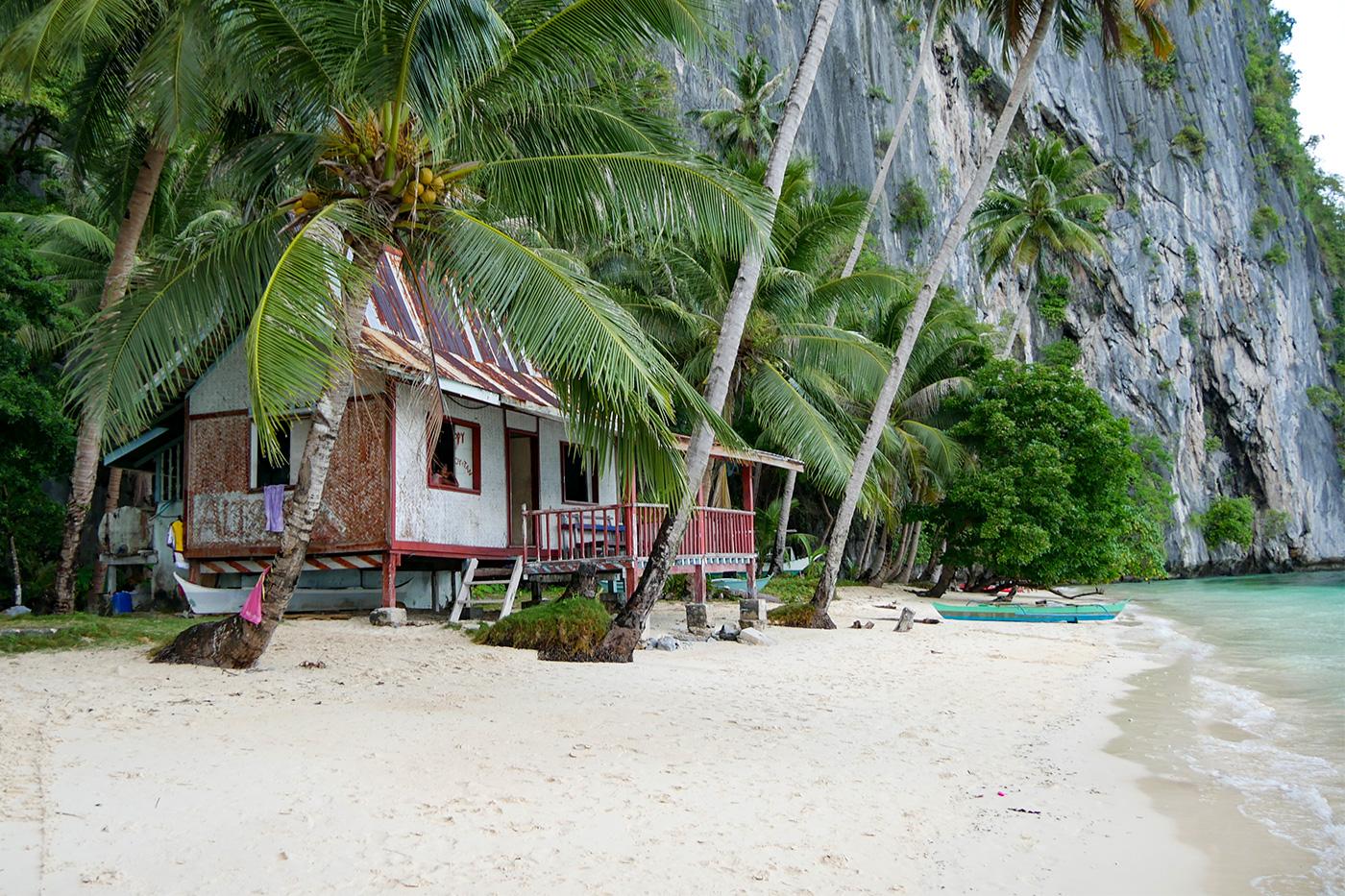 Ein Haus am Pinagbuyutan Beach