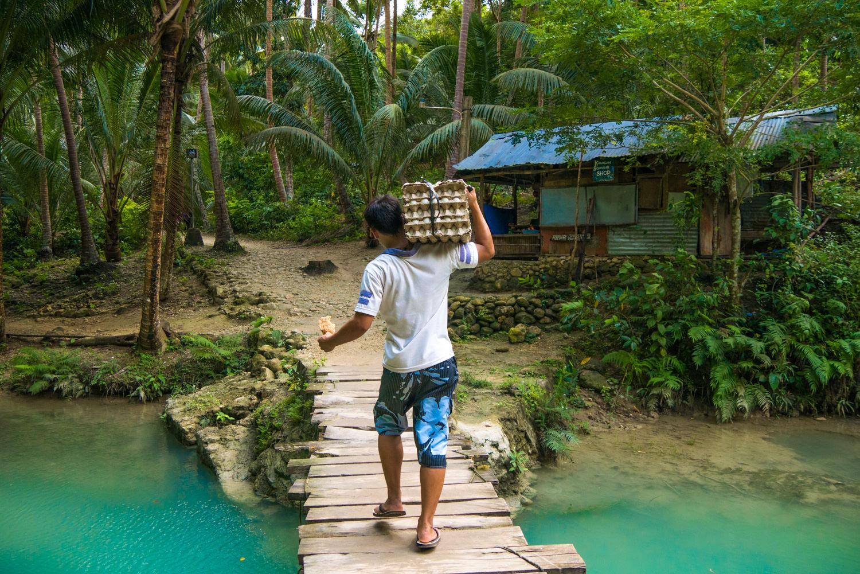 Der Weg zu den Kawasan Falls, Cebu, Philippinen