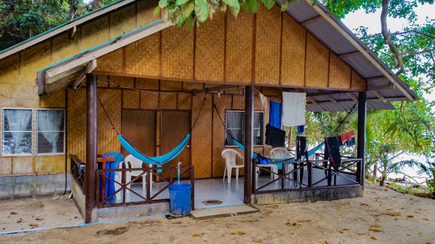 Unsere Hütte des Ao Nieang Resorts auf Koh Kradan