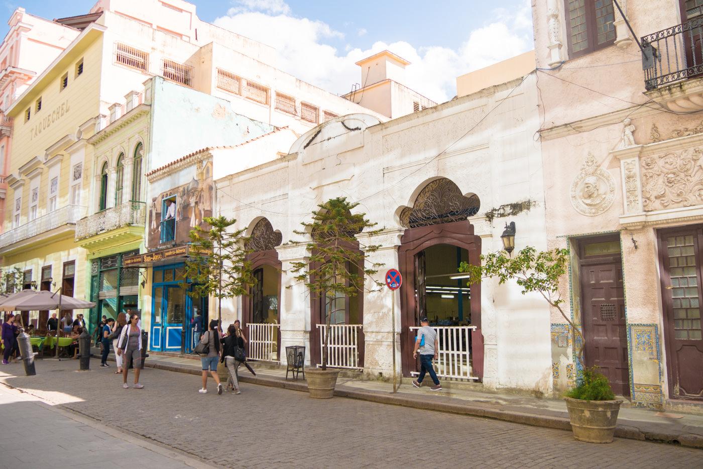 Gebäude am Plaza Vieja in Havanna