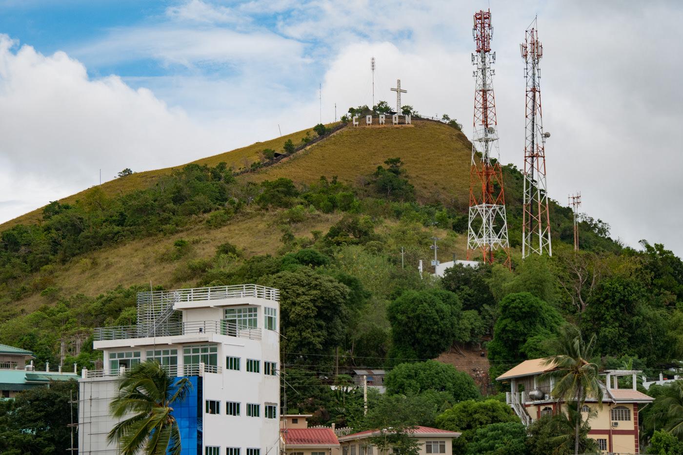 Huegel der Stadt Coron auf Busuanga auf den Philippinen