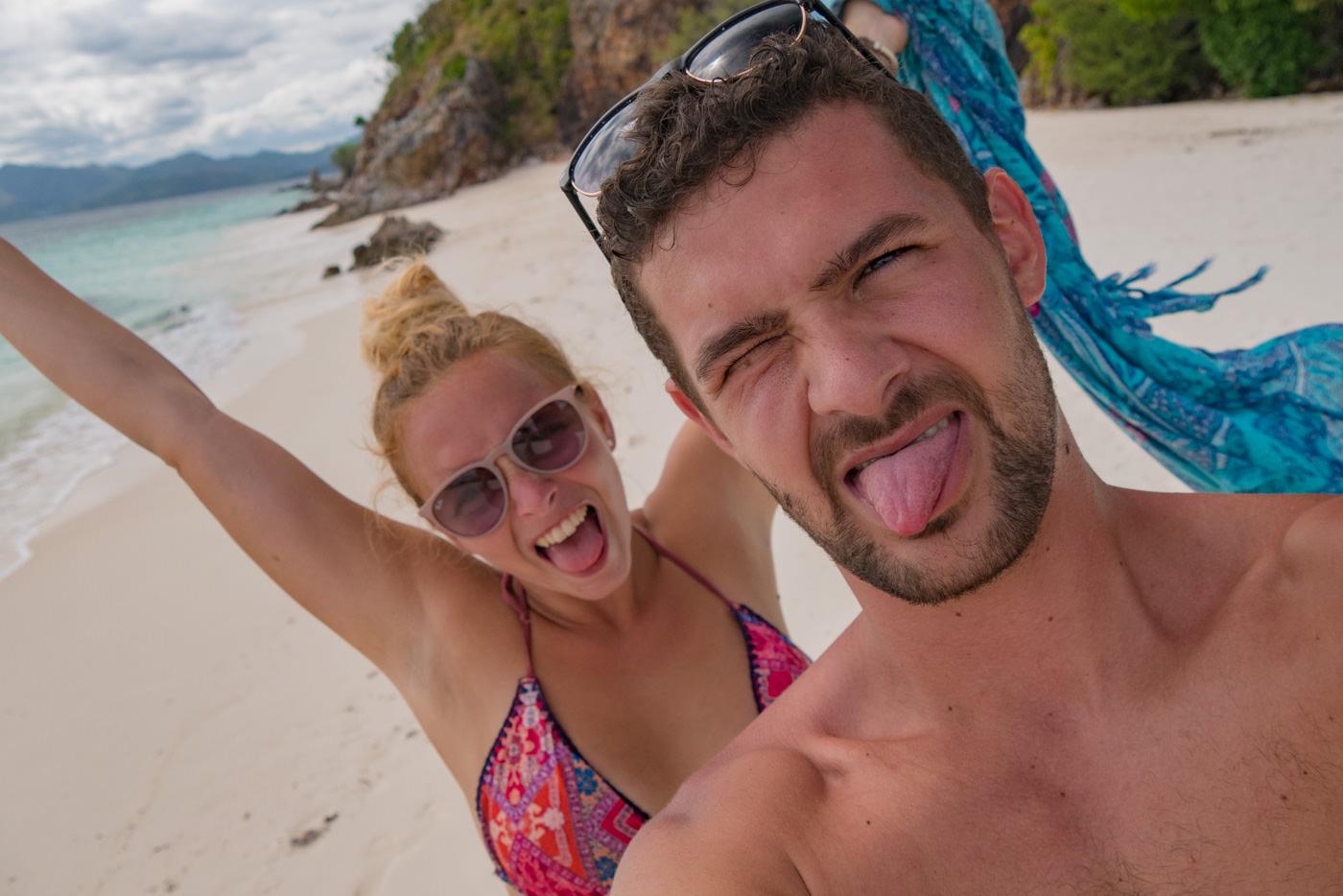 Wir auf Malcapuya Island auf den Philippinen