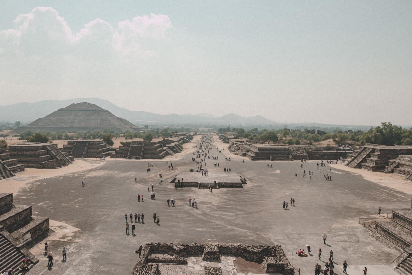 Blick auf Teotihuacan bei Mexiko-Stadt