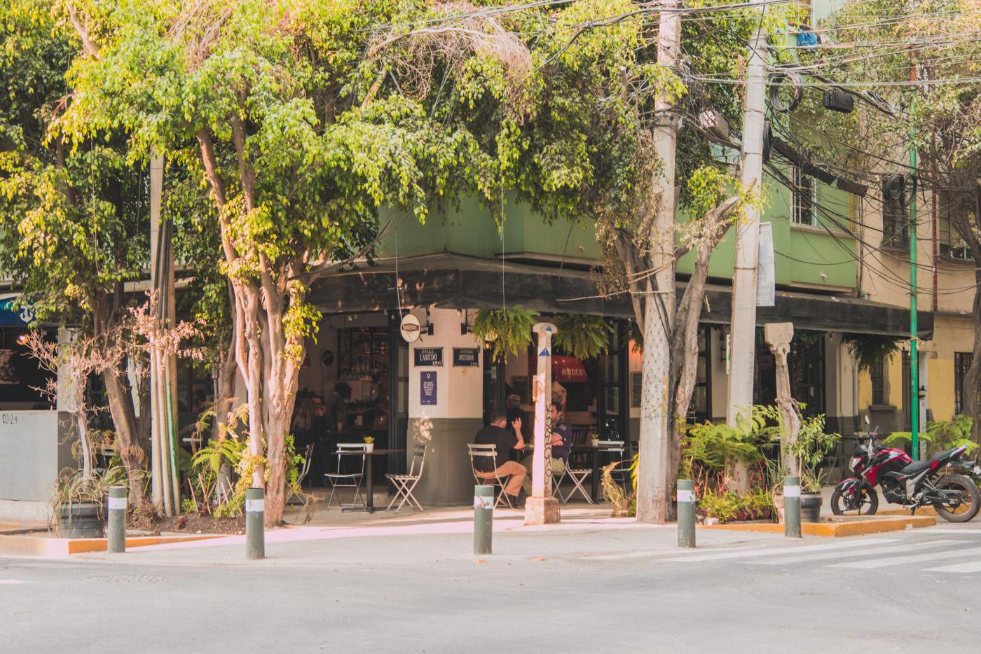 Café im Viertel Hipodromo in Mexiko-Stadt