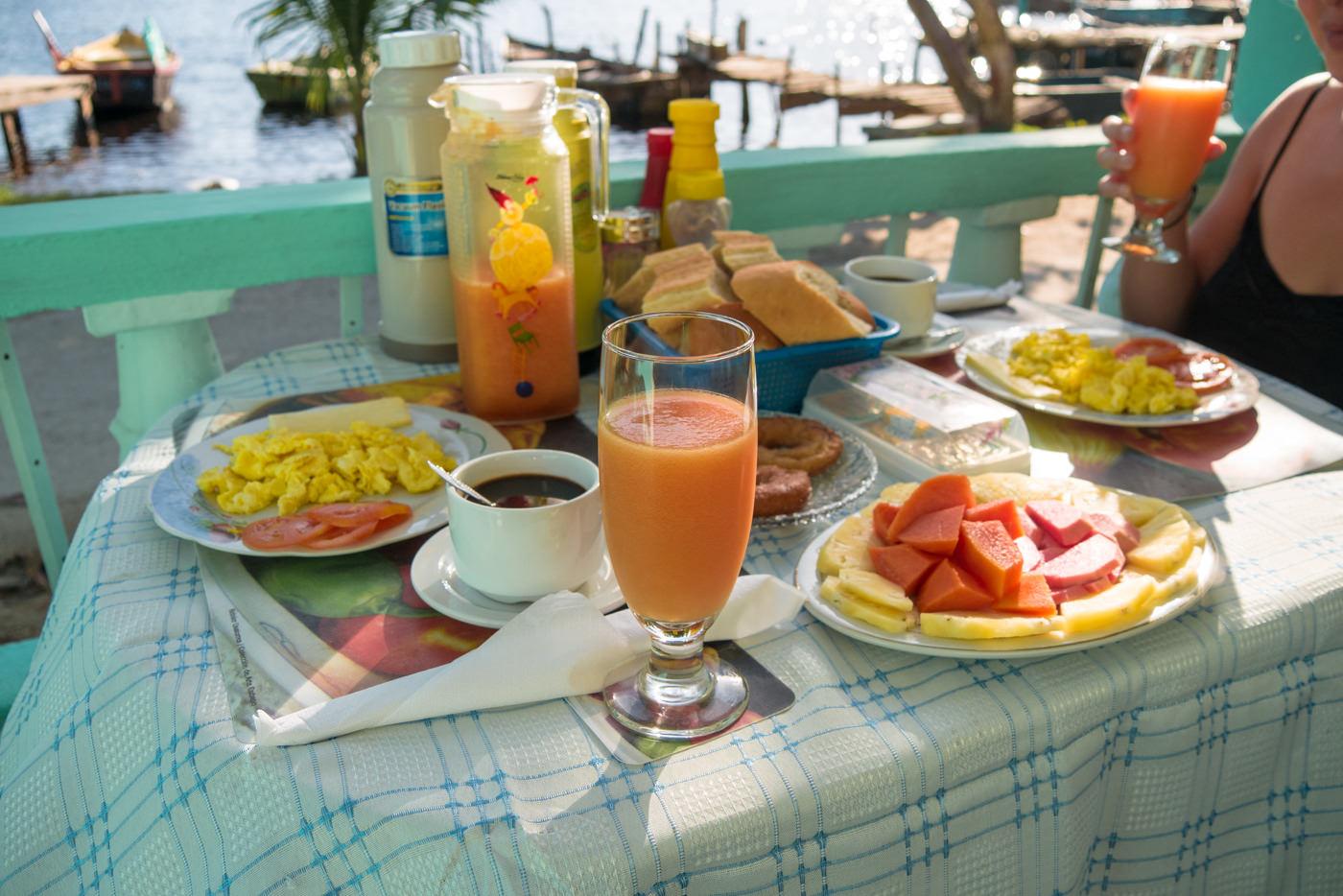 Unser Frühstück in Playa Larga