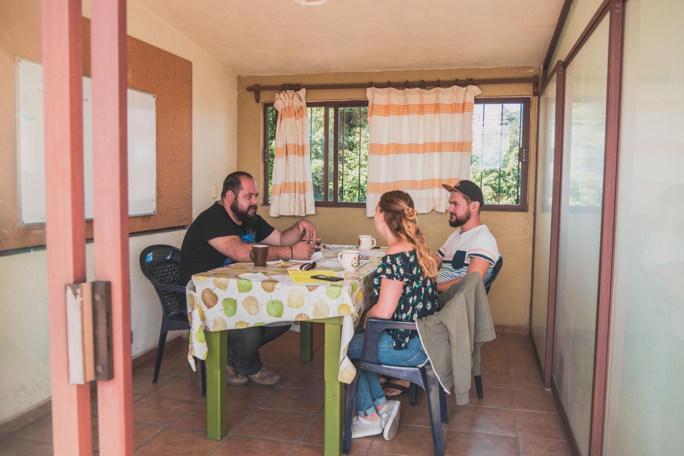 Wir beim Spanisch lernen in der Sprachschule Amigos del Sol in Oaxaca, Mexico