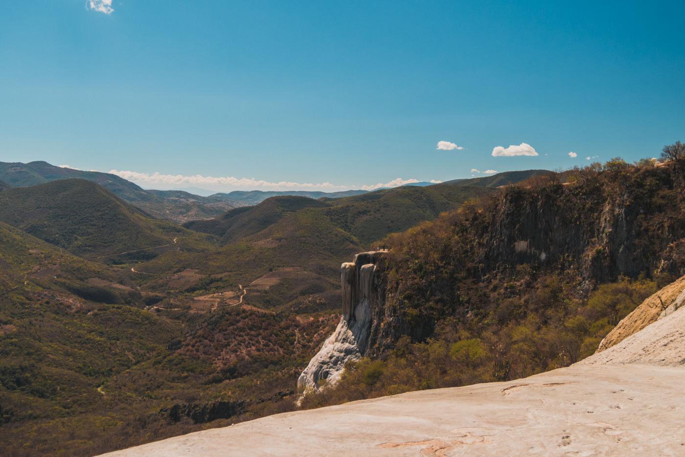Der große Wasserfall am Hierve el Agua - Oaxaca, Mexiko