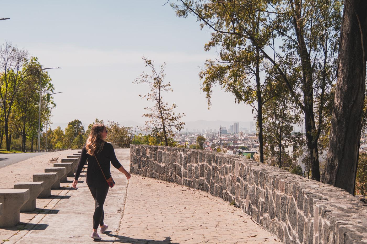 Julia im Los Fuerte Park in Puebla in Mexiko
