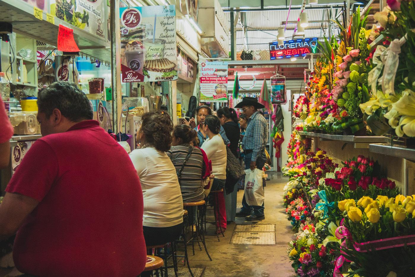 Das Leben im Mercado Benito Juarez.