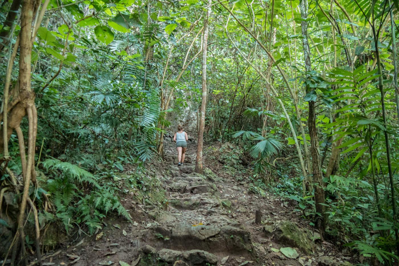 Julia im Dschungel von Semuc Champey