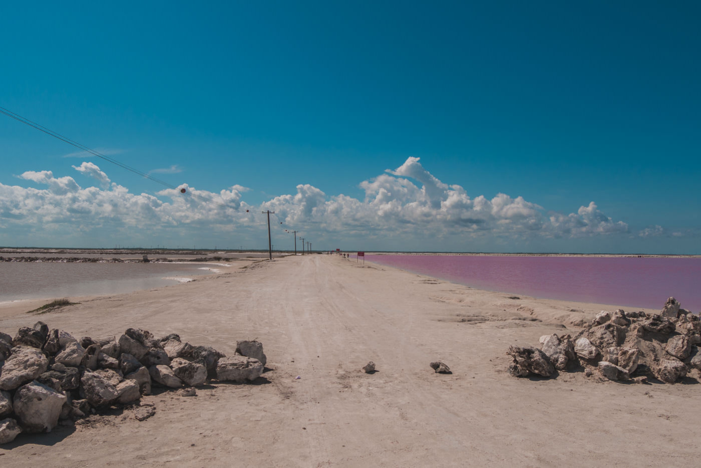 Pinke Lagune von Las Coloradas in Mexiko