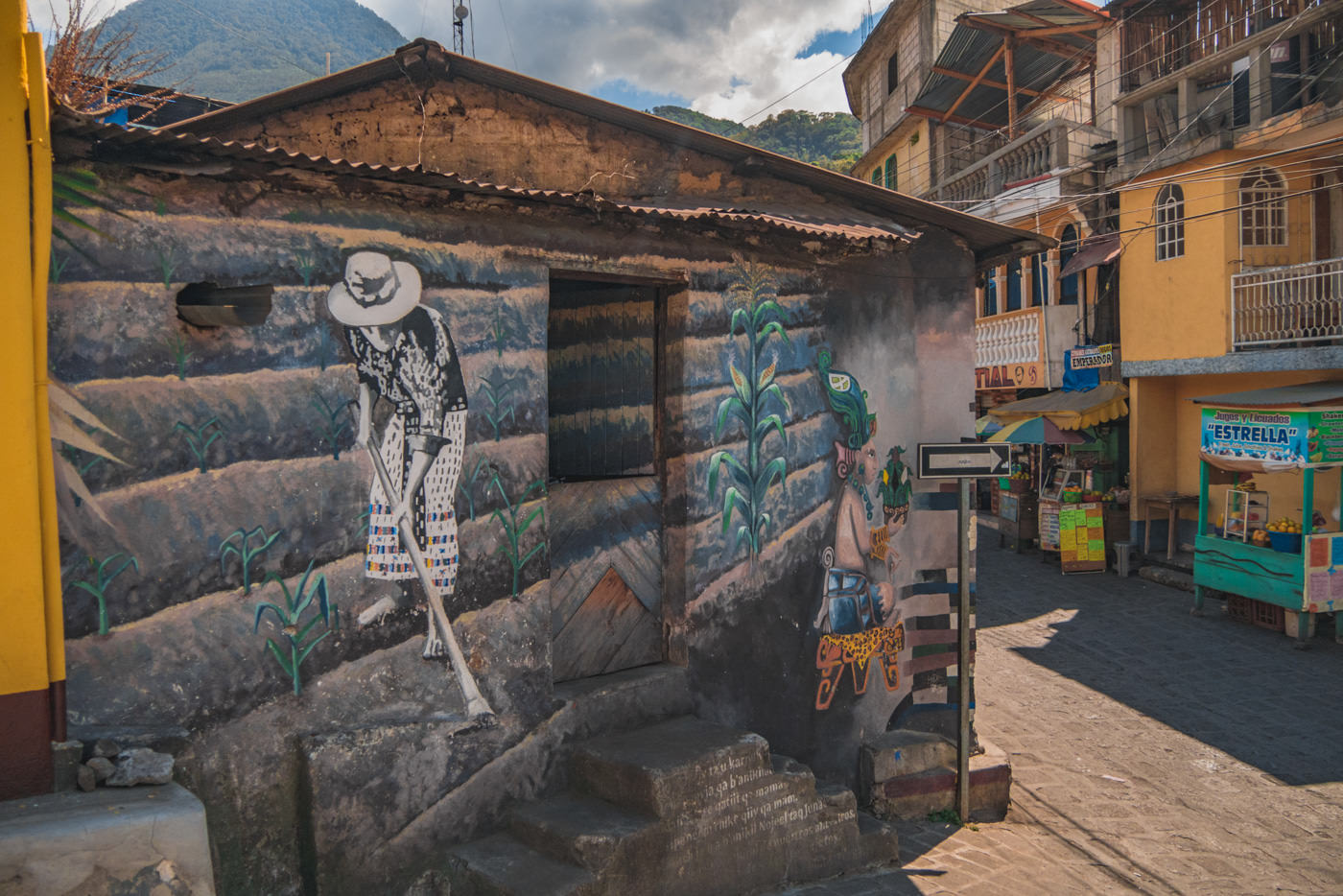Mural in San Pedro am See Atitlán