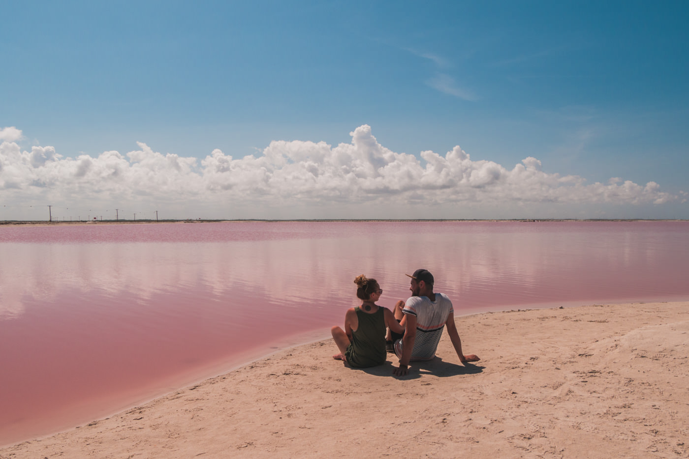Wir an der pinken Lagune in Las Coloradas