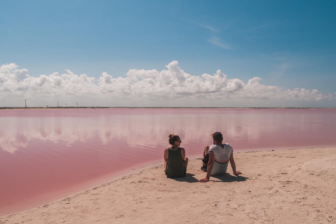 Wir an der pinken Lagune in Las Coloradas