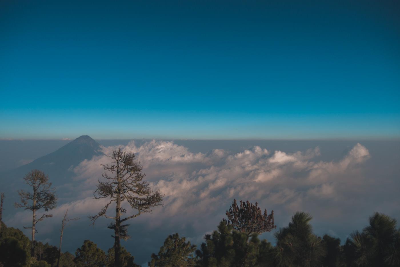 Blick vom Basecamp auf den Vulkan Fuego