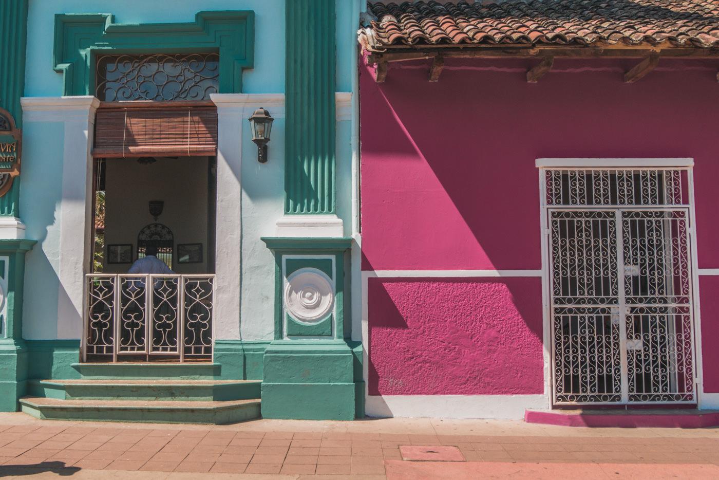 Bunte Häuserfassaden in Granada, Nicaragua