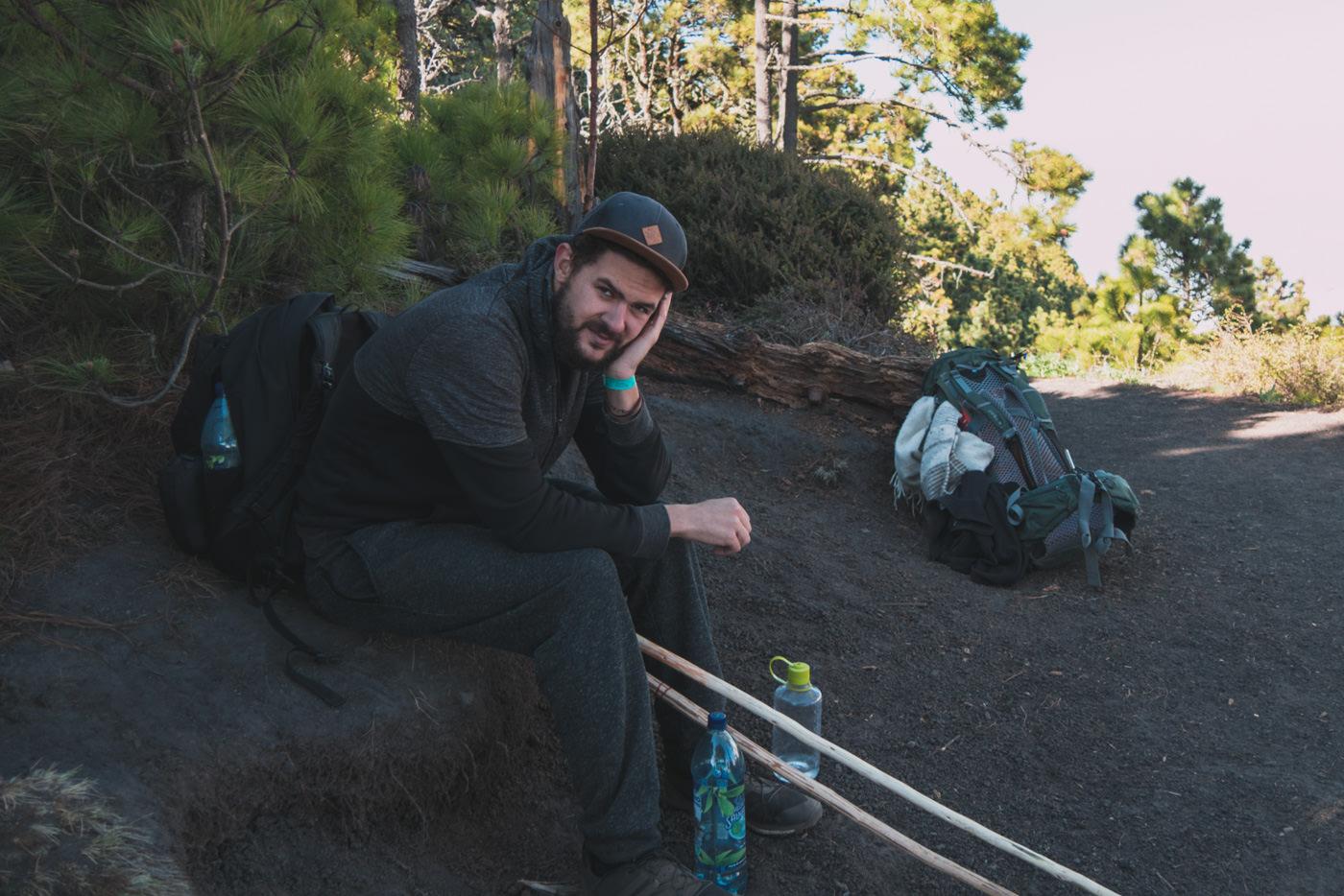 Matthias ist fix und fertig vom Aufstieg auf den Vulkan Acatenango