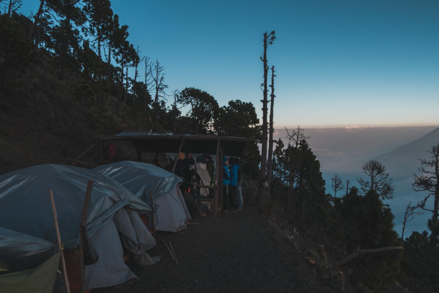 Zelte im Basecamp am Vulkan Acatenango