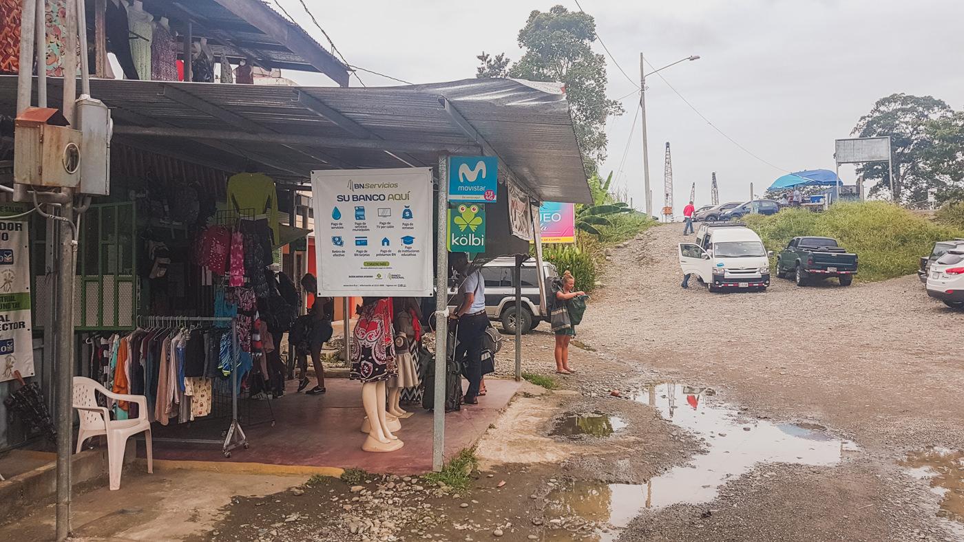 Apotheke an der Grenze Costa Rica - Panama