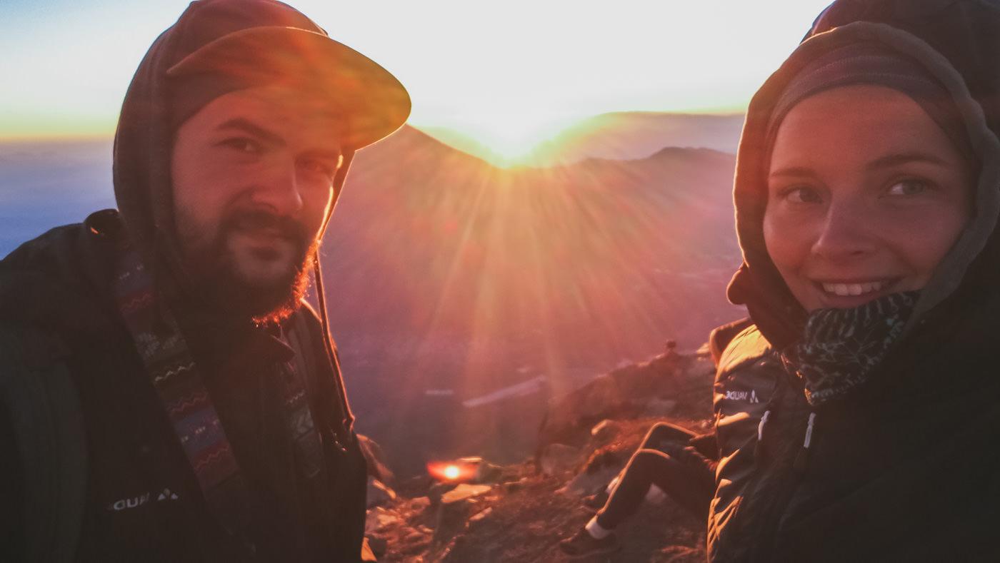 Wir auf dem Gipfel des Vulkan Acatenango