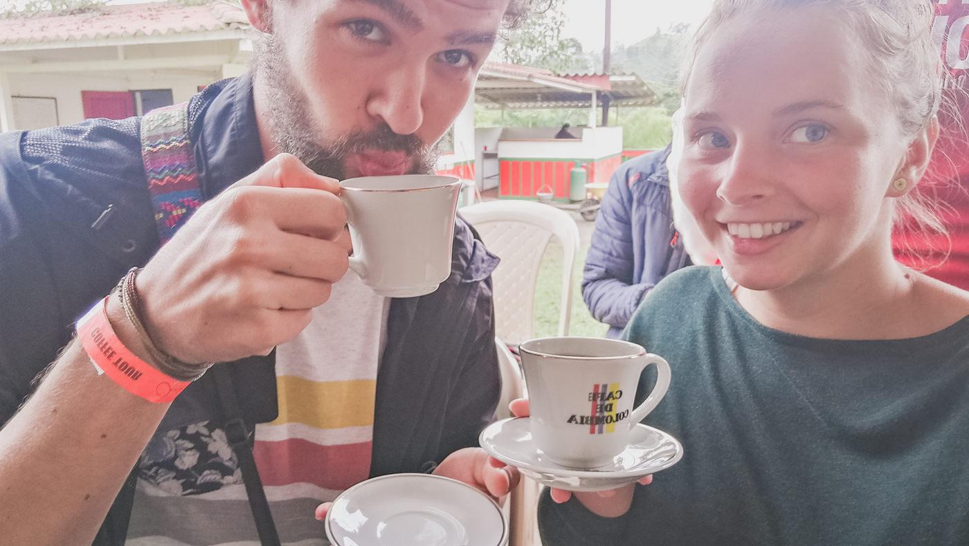 Kaffeetrinken in Salento auf einer Kaffeeplantage