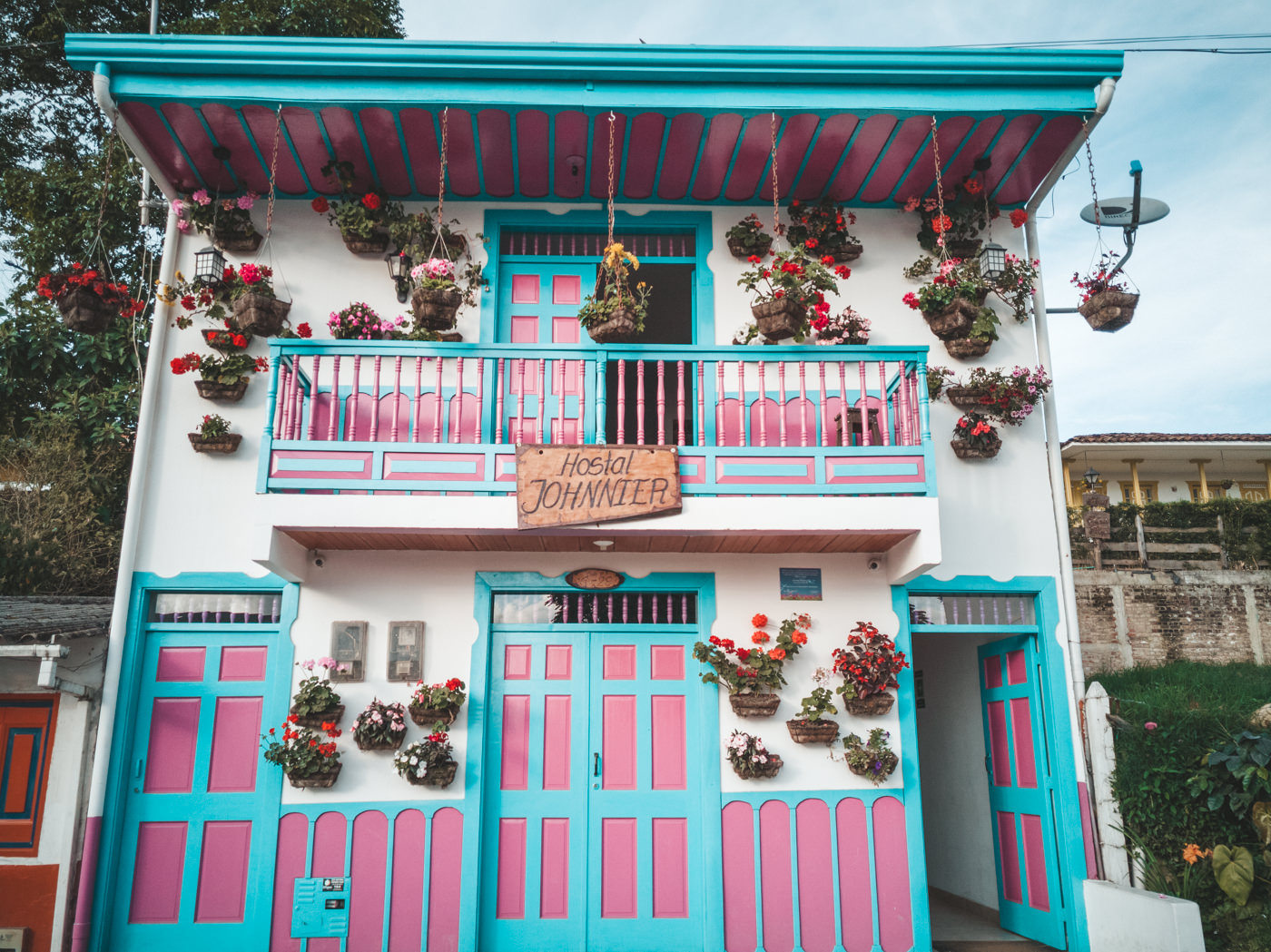 Hostel in Salento und die typische Gestaltung der Hausfassade