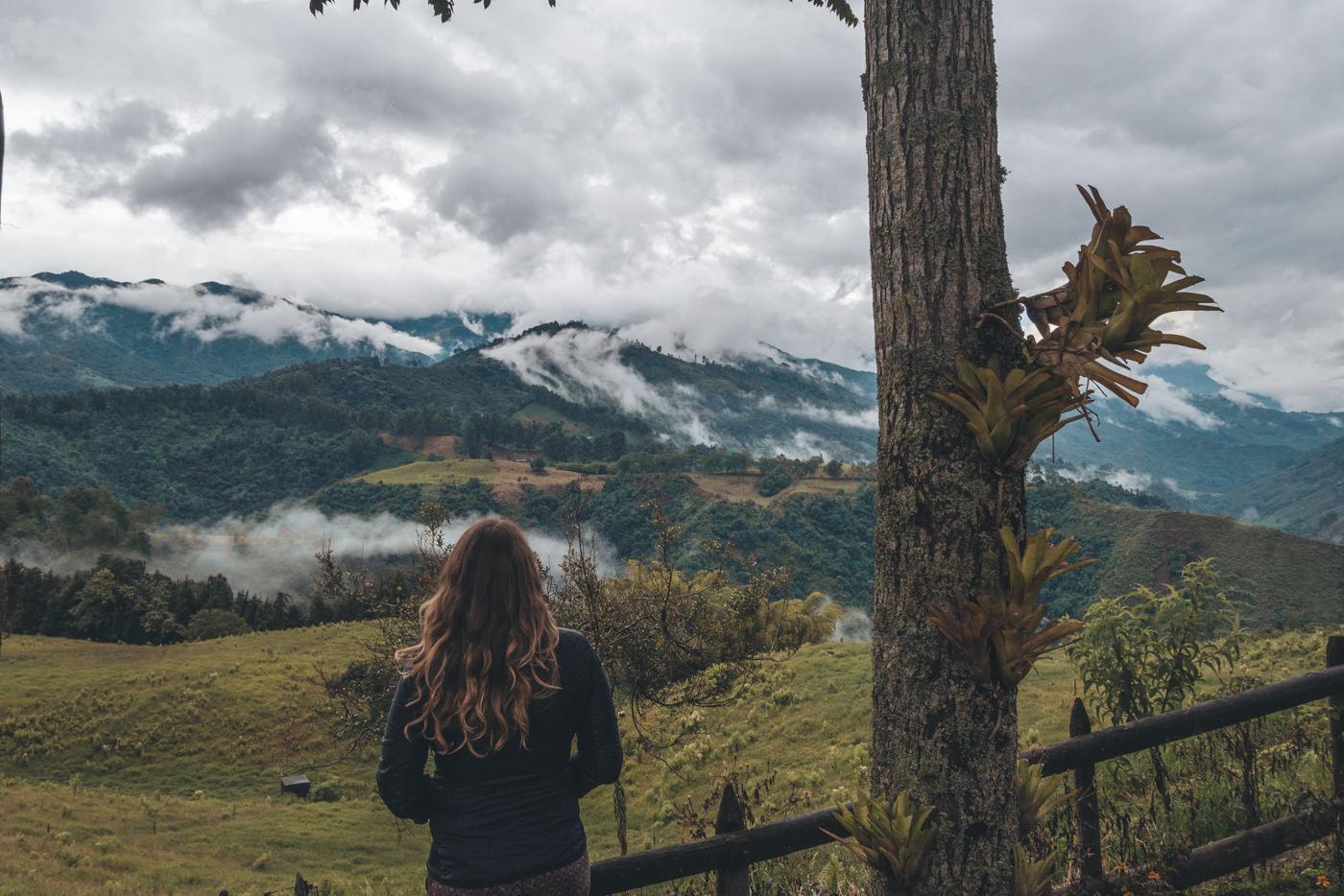 Ausblick in die Berge vom La Serrana Hostel