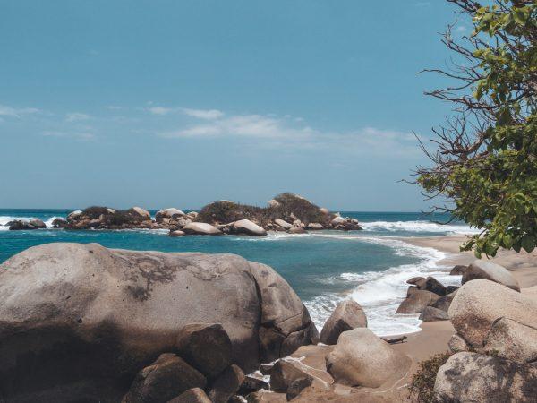 Küste des Tayrona Nationalparks in Kolumbien
