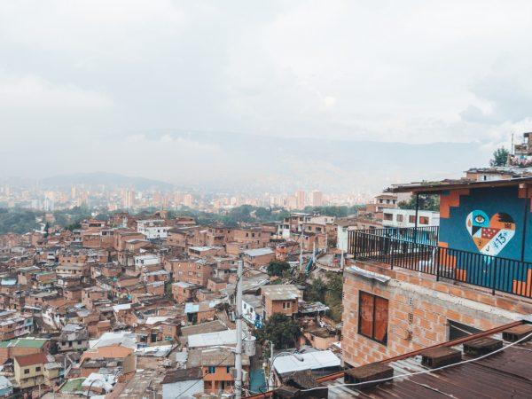 Blick auf die Comuna 13 - Medellin, Kolumbien
