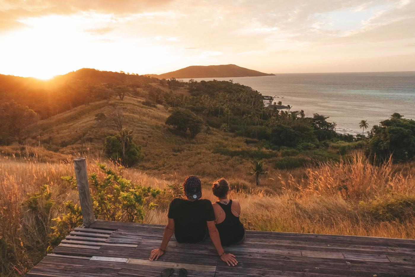 Wir auf den Fiji Inseln beim Sonnenuntergang