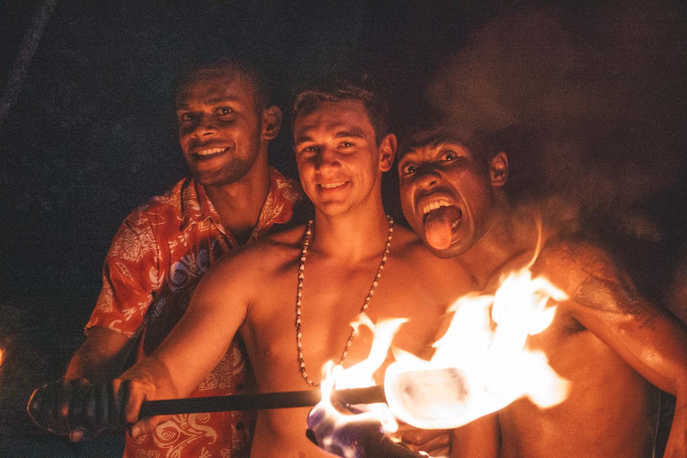 Feuershow im White Sandys Beach auf den Fidschis
