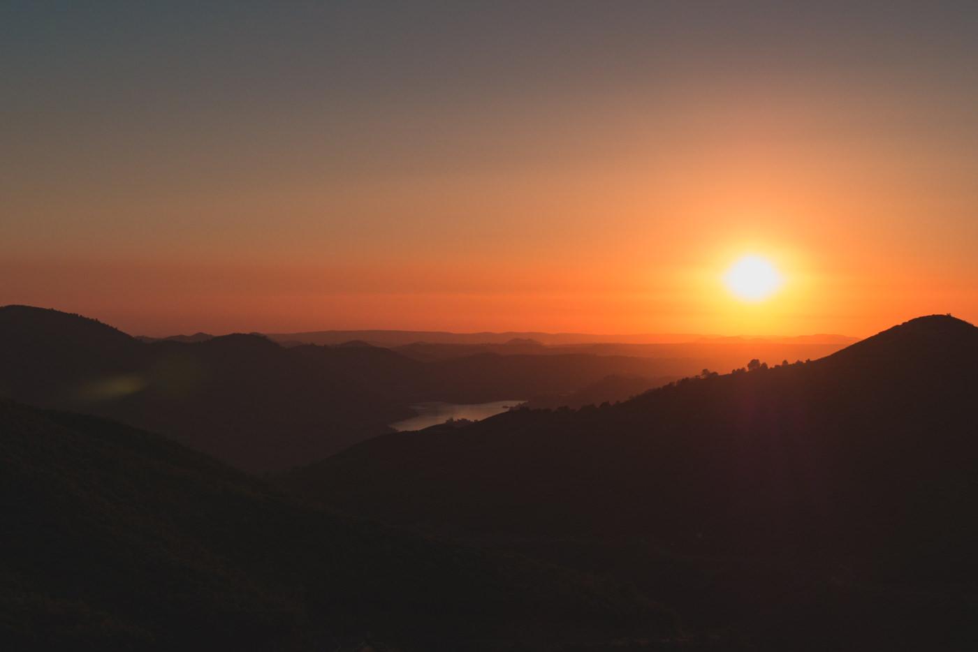 Sonnenuntergang in der Nähe des Yosemite Nationalparks