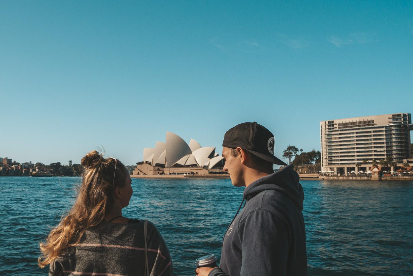 Julia und Felix vor dem Opera House