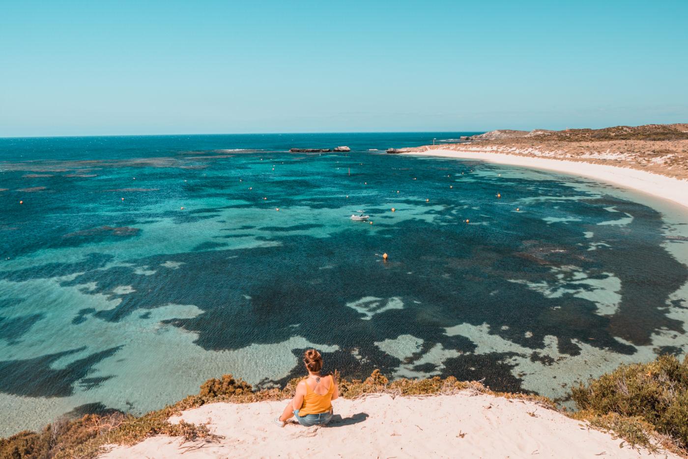 Julia an der Küste von Rottnest Island