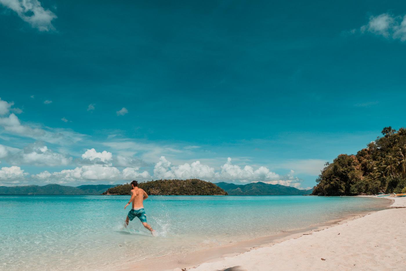 Matthias am Tiamban Strand auf Romblon Island