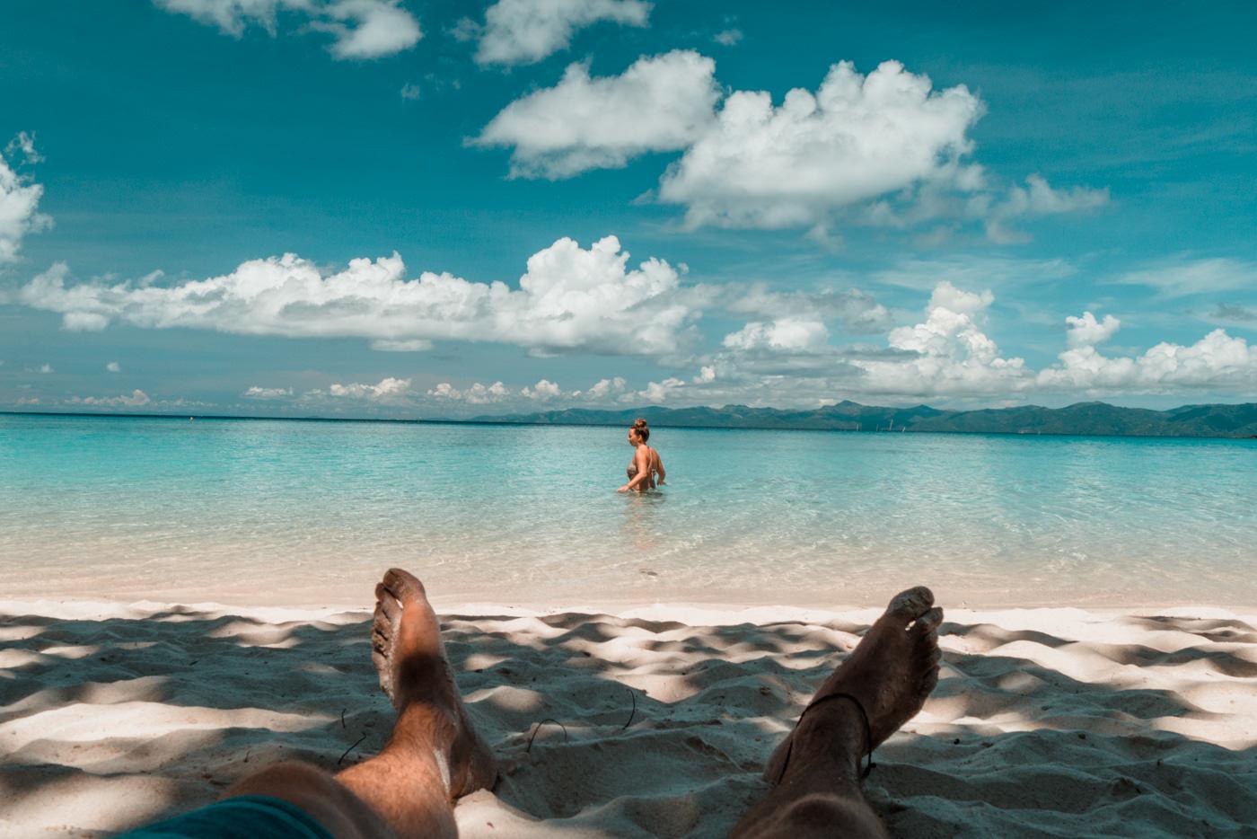 Wir am Tiamban Beach auf Romblon Island