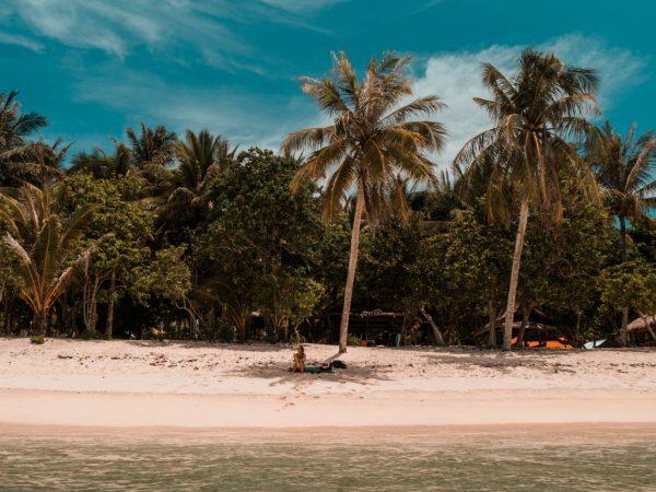 Blick auf den Alegria Beach auf Siargao, Philippinen