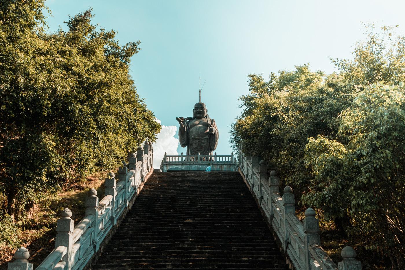 Buddha bei der Bai Dinh Pagoda in Vietnam
