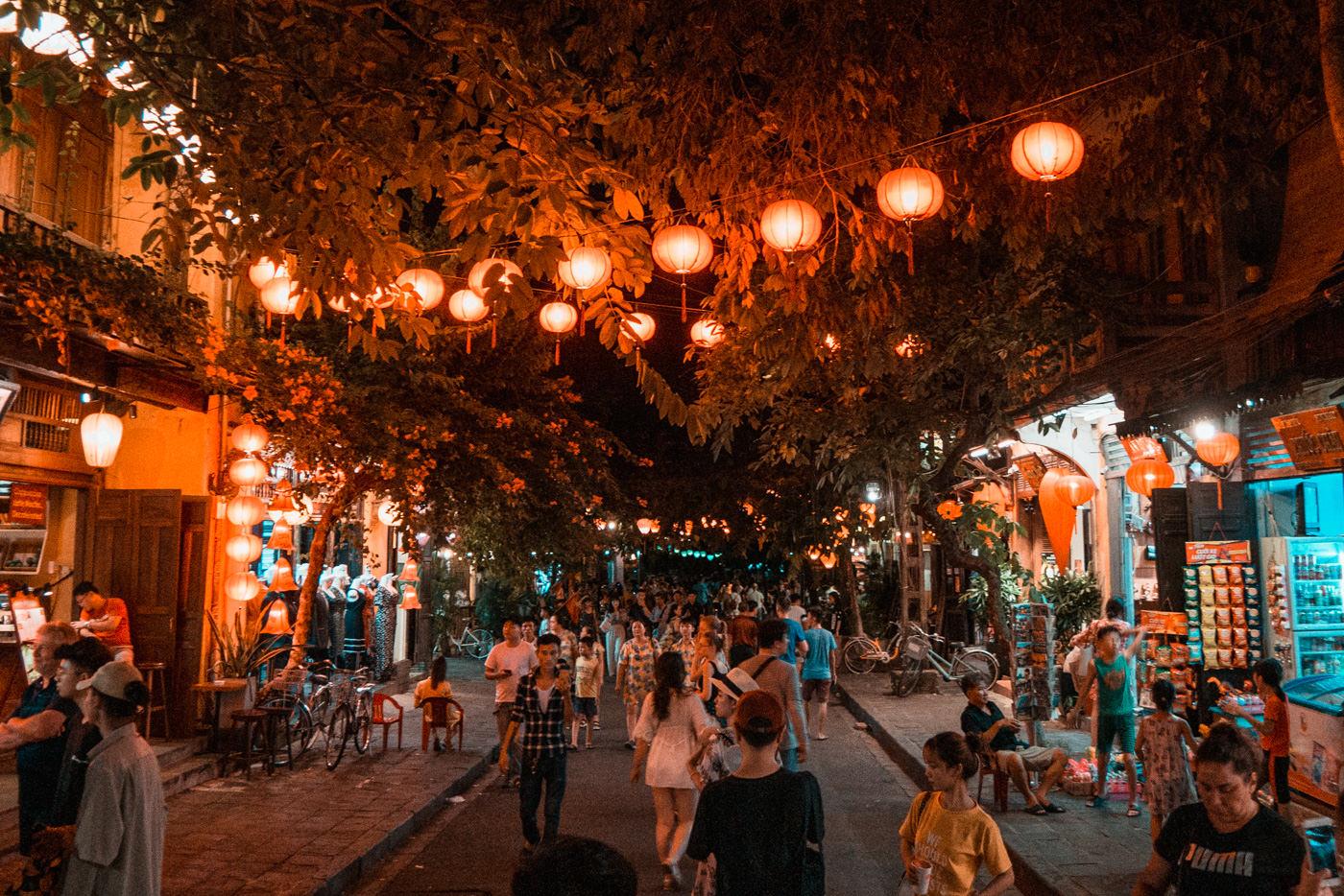 Historische Altstadt in Hoi An am Abend