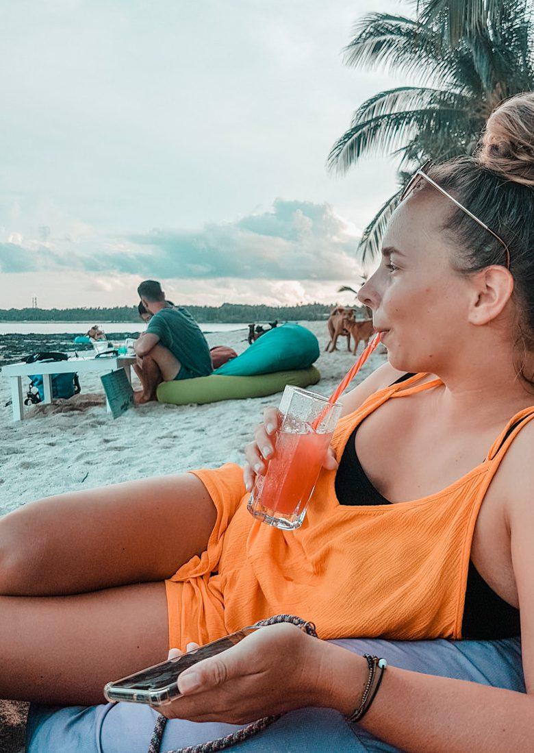 Happy Hour im White Banana Beachclub auf Siargao