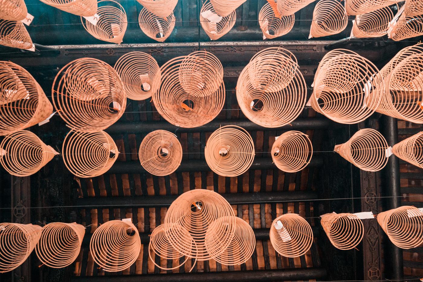 Räucherspiralen in Pagoda in Vietnam