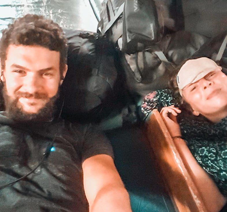 Wir im Bett auf der Fähre auf den Philippinen