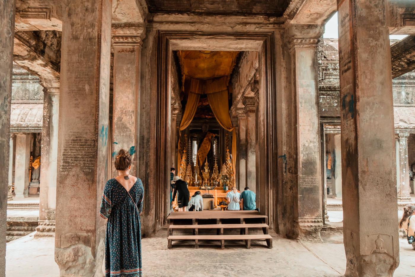 Julia in Angkor Wat, Kambodscha