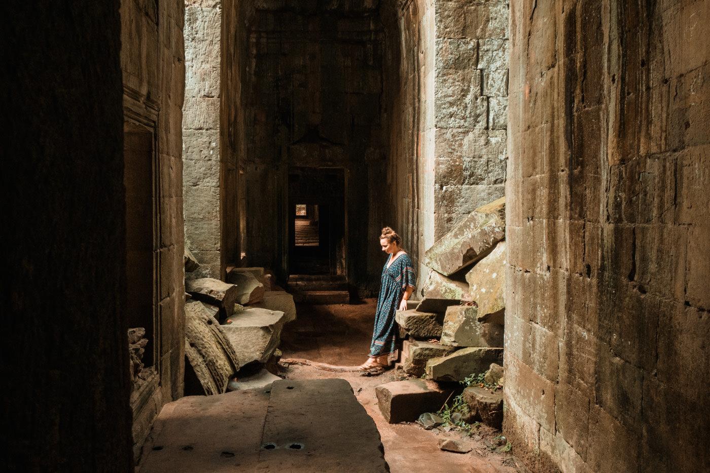 Julia im Tempel, Angkot War, Kambodscha