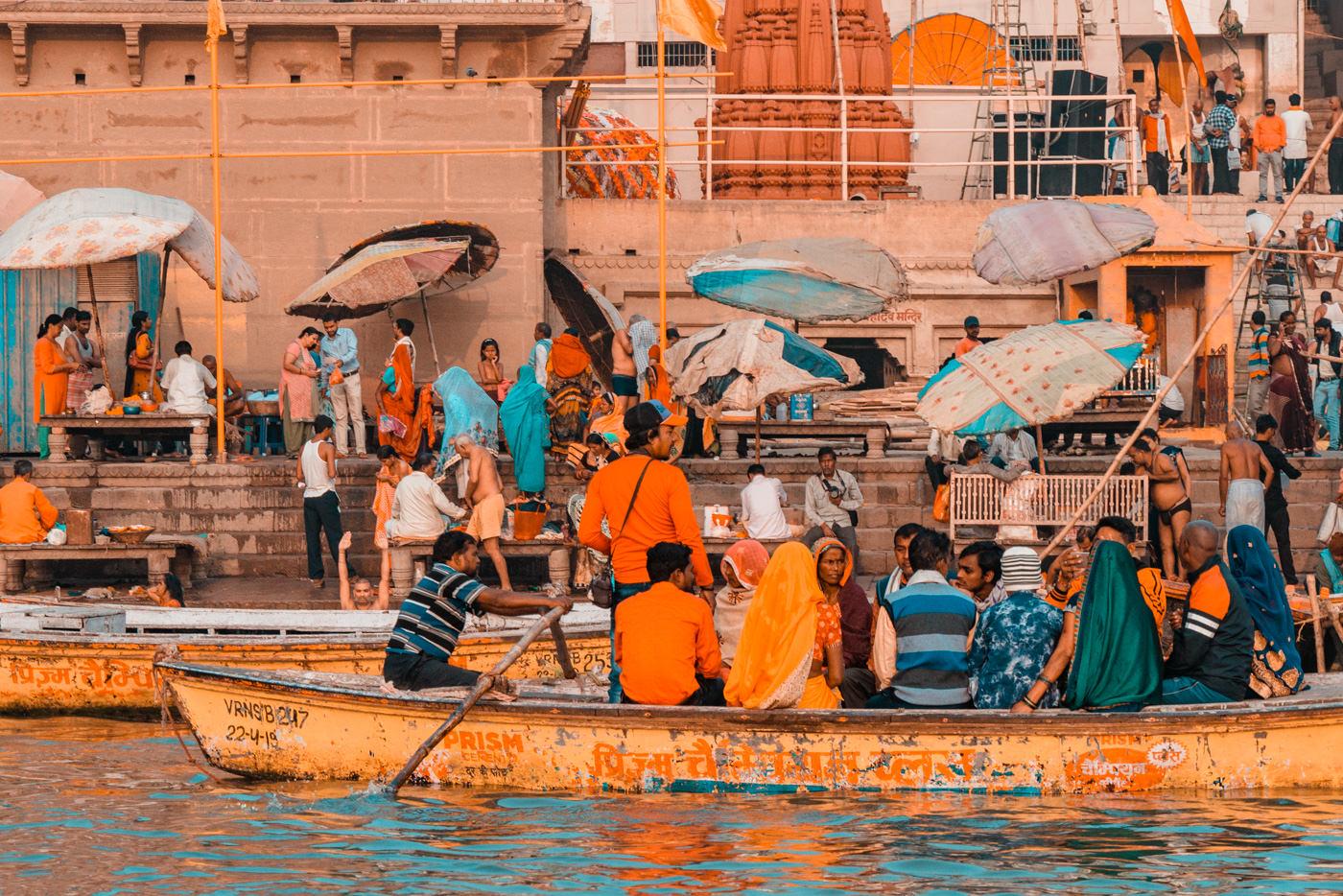 Bootsfahrt in Varanasi, Indien