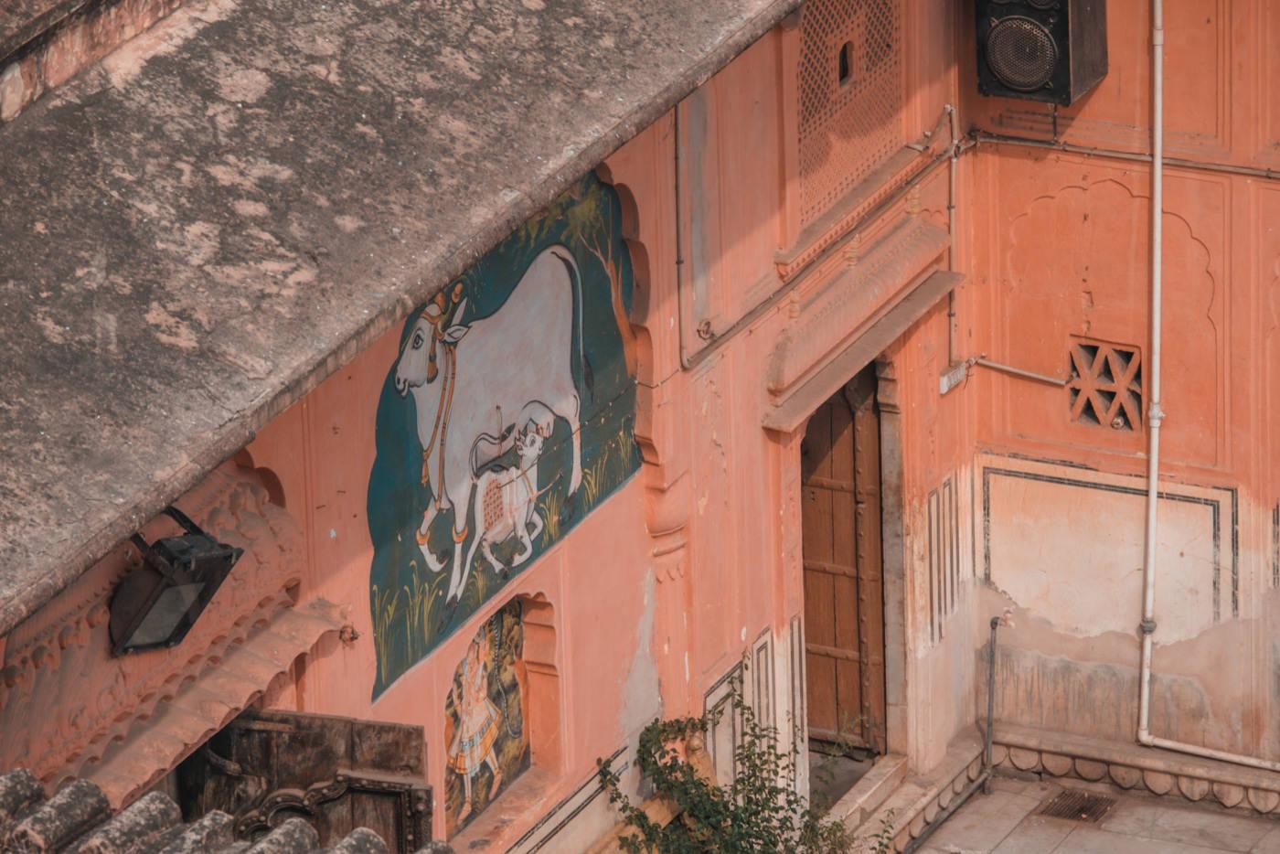 Wandgemälde im Hawa Mahal in Jaipur
