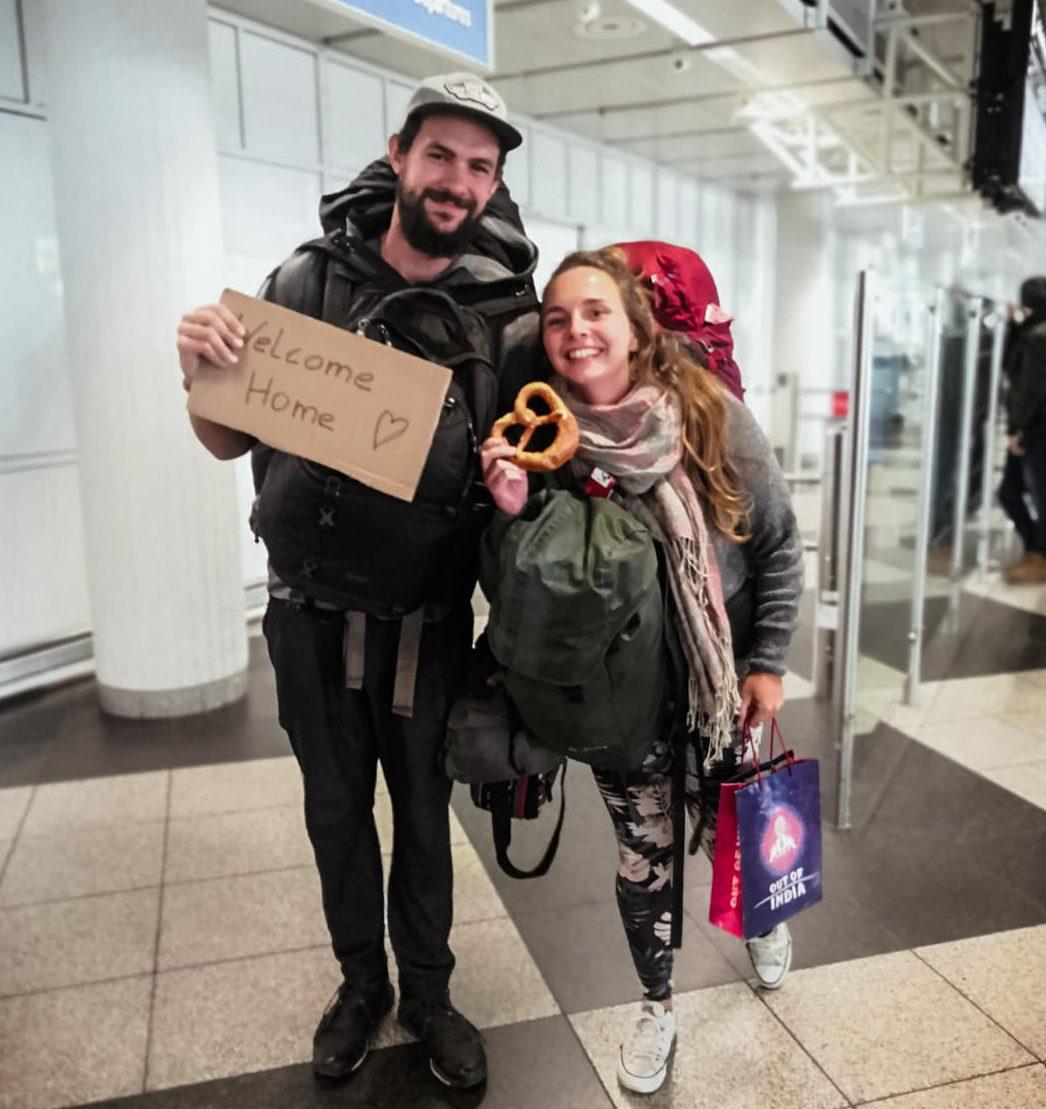 Wir bei Ankunft am Flughafen in Deutschland